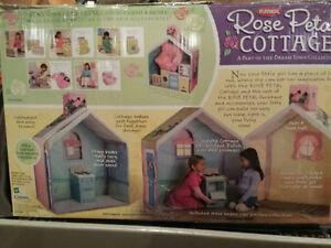 Rose Petal Cottage Playhouse with accessories Oakville / Halton Region Toronto (GTA) image 1