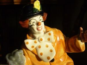 "Royal Doulton Figurine - "" The Clown "" HN2890 Kitchener / Waterloo Kitchener Area image 7"
