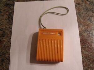 ANTIQUE RADIO TRANSISTOR DE REALISTIC RADIO SHACK