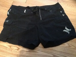 Women's black Hurley shorts size small