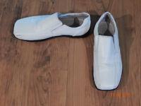 Soulier chic en cuir blanc pour homme ou ado pointure: 9