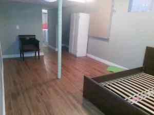 Basement bachelor apartment for rent