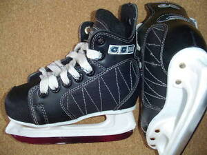 CCM Powerline 60 ice skates, 10 youth for shoe size 11-11.5 yout