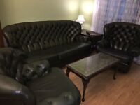 Green Chesterfield set. Excellent condition