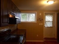 East End Apartment Available Today