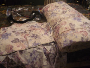 3 piece floral queen sized bedding set