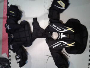 Bauer goalie chest protector...small