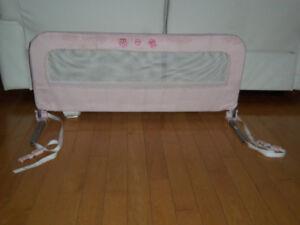 Barrière pour lit