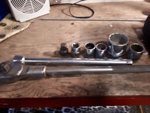 3/4 inch ratchet ext. And a few socket
