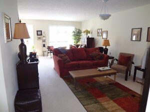 3 BEDROOM CONDO home, Available Oct 1st