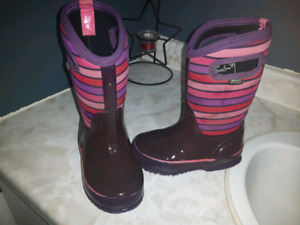 Winter Bogs toddler size 10
