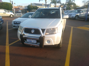 2009 Suzuki Grand Vitara 4x4 **sold pending pick up