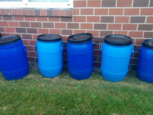 5 little blue barrels w/ seal tight lids - get 5 and 1 free