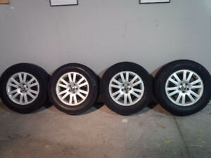 "17"" OEM Volvo XC90 alloy wheels and winter tire set"