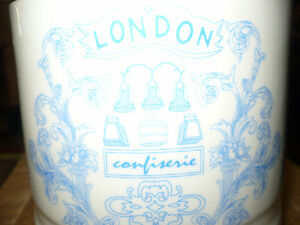 """VINTAGE BEAUTIFUL """"LONDON CONFISERIE FINE QUALITY"""" CANNISTER Kitchener / Waterloo Kitchener Area image 3"""