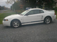 2002 Ford Mustang Groupe Sport Coupé (2 portes)