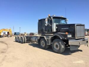 2013 Western Star Tri-Drive in Excellent Condition