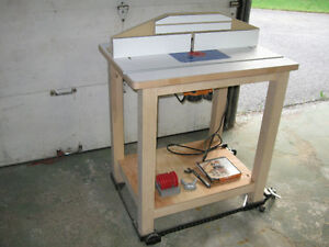 Router Table Including Triton TRA001 Router and Accessories