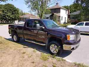 2008 GMC duramax Z 71   slt loaded  clean truck