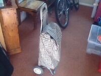 GOOD QUALITY SHOPPING TROLLEY