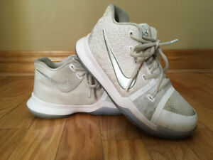 Boys Nike Basketball Sneakers size 2