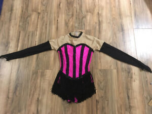 Competition figure skating dress