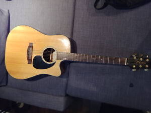 EG340C Takamine Acoustic/Electric Guitar