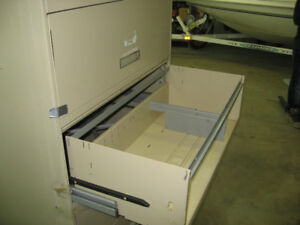 METAL TOOL OR STORAGE CABINETS