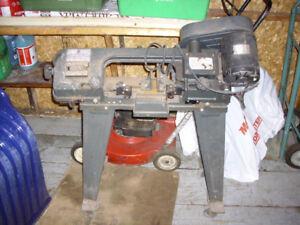 Scie à ruban de coupe en métal