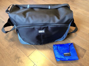 Like New Think Tank City Walker 20 Messenger bag like Lowepro