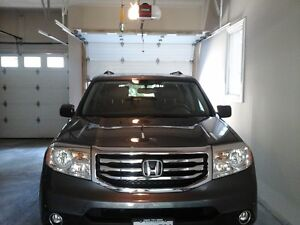 2014 Honda Pilot Touring, Loaded! Warranty! Only 57,000 kms