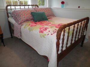 1930's 3/4 Antique Maple Bed.