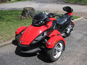 Can-Am Spyder 2009 Rouge