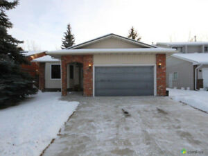 Four bedroom house  foe rent  in Shawnessy.
