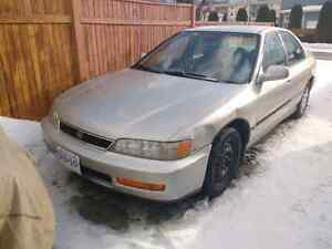 96 Accord LX 4dr auto, runs and drives great, mint glass