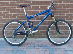 2006 Devinci Remix Mountain Bike