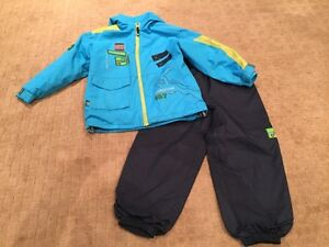 Clément rain suit - jacket and splash pants Size 6