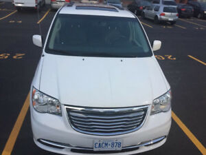 2016 Chrysler Town & Country Minivan, Van