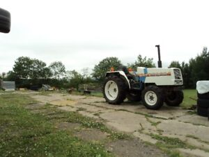 COMPACT 4X4 TRACTOR