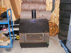 Foyer à l'huile avec réservoir 200 galons