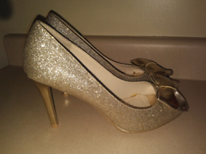 Gold Pumps, size 9, 4 inch heels