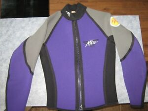 Nice Good  Quality Wetsuit for Sale!!!