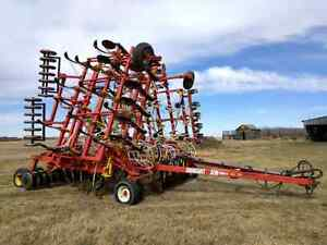 40' Bourgault 5710 air drill