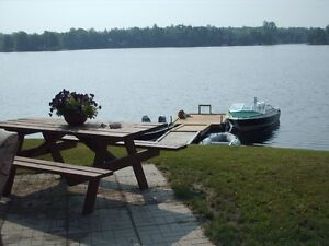 BEAUTIFUL WATERFRONT HOME NEAR KINGSTON(U GET FULL USE OF HOME)