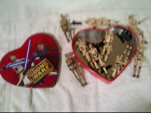 Star Wars Clone Wars -  9 Battle Droids with Heart Tin