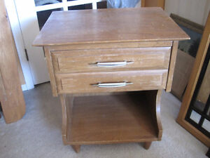 bedside table - dovetail drawer