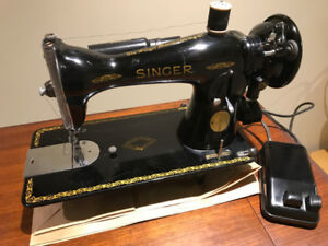 Singer 15-91 Sewing Machine in Very Nice Condition with Table