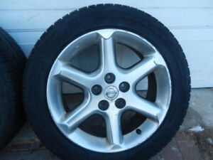 """Mags  Nissan 17""""  avec pneus d'hiver Michelin  XI2  215 55 17"""