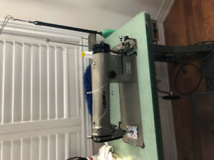 DDL 555 JUKI Foot Sewing Machine for sale
