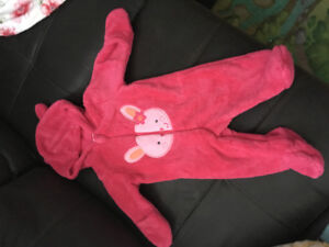 Brand new pink snowsuite, size0-3, fits a baby until 6months $10